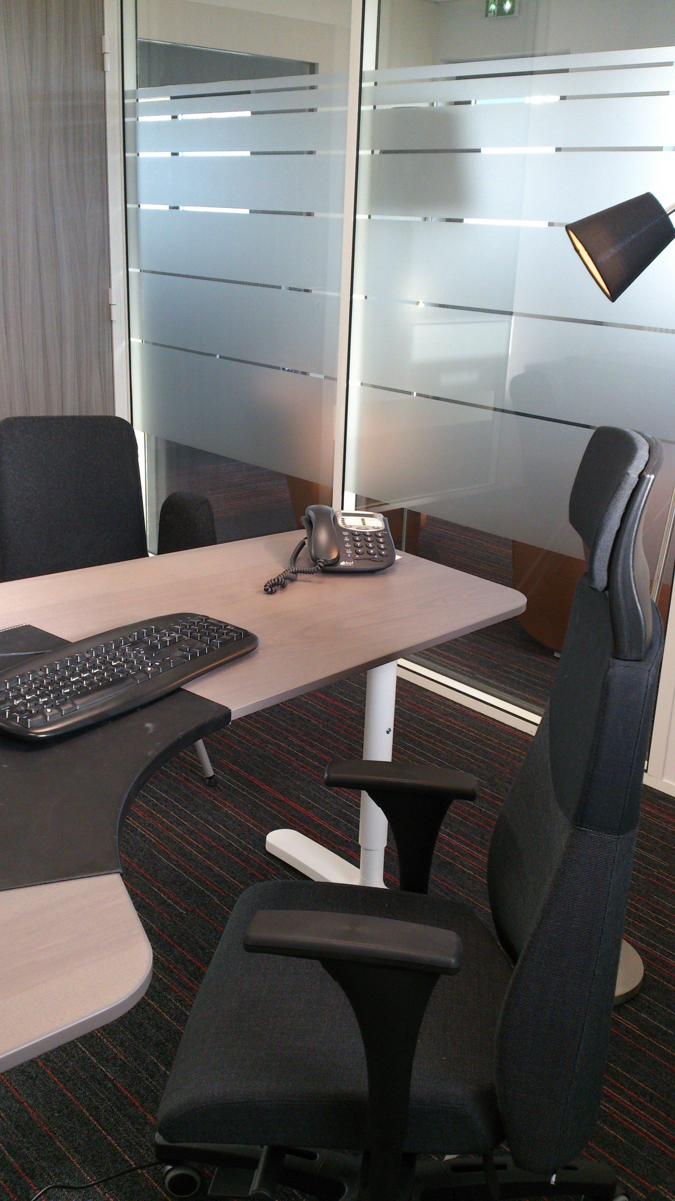 Location de bureaux la journ e au centre d affaires de for Bureau vannes